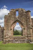 Igreja escolar de Lincluden - único arco da vista sul Fotografia de Stock Royalty Free