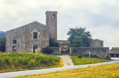 Igreja-exploração agrícola perto de Florença Fotos de Stock Royalty Free