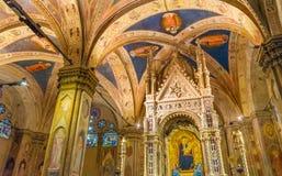 Igreja Florence Italy de Mary Angels Stained Glass Orsanmichele imagens de stock