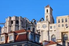Igreja font des ruines de Carmo à Lisbonne Image stock
