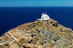 Igreja grega no console de Sifnos Fotografia de Stock Royalty Free