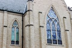 Igreja histórica velha no campo rural imagens de stock royalty free