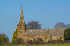Igreja inglesa da vila fotografia de stock