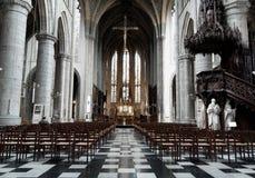 Igreja interior com cadeiras e altar fotografia de stock royalty free