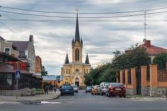 Igreja luterana na cidade velha de Lutsk, Ucr?nia imagens de stock