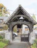 Igreja Lychgate do St Dyfnog, Llanrhaeadr, Gales Imagens de Stock Royalty Free