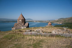Igreja medieval no lago Sevan, Arménia Imagens de Stock