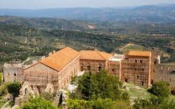 Igreja na cidade medieval de Mystras, Grécia Foto de Stock
