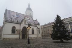 A igreja na cidade superior, Zagreb de St Mark, Croácia imagem de stock royalty free