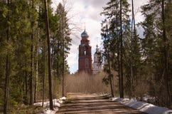 Igreja na floresta Fotos de Stock Royalty Free