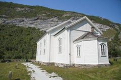 Igreja na ilha Noruega do norte de Dønna Fotos de Stock
