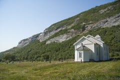 Igreja na ilha Noruega do norte de Dønna Imagens de Stock