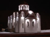 Igreja na noite Foto de Stock Royalty Free