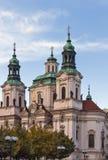 Igreja na praça da cidade velha, Praga de São Nicolau Imagens de Stock Royalty Free