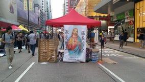 A igreja na revolução 2014 do guarda-chuva dos protestos de Nathan Road Occupy Mong Kok Hong Kong ocupa a central Fotografia de Stock Royalty Free
