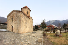 A igreja na vila de Kish, Azerbaijão foto de stock royalty free