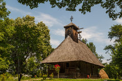 Igreja na vila do ar livre Imagem de Stock