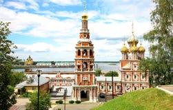 Igreja Nizhny Novgorod de Stroganov da opinião de julho Imagens de Stock Royalty Free
