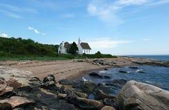 Igreja no beira-mar Imagens de Stock Royalty Free