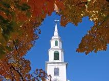 Igreja no outono fotos de stock royalty free