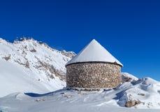 Igreja no pico de Zugspitze, Alemanha Fotos de Stock