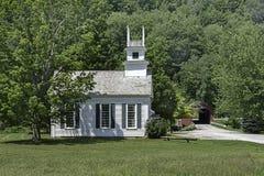 Igreja no verde Fotos de Stock