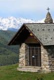 Igreja nos alpes Fotos de Stock Royalty Free
