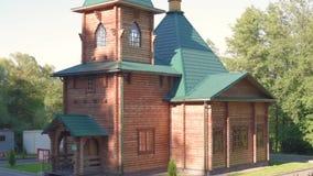 A igreja ortodoxa de madeira de entra o lugar santo de Rússia, de museus e de lugares históricos do país vídeos de arquivo