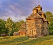 Igreja ortodoxa de madeira nas madeiras   fotografia de stock royalty free