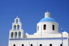 Igreja ortodoxa em Santorini imagens de stock royalty free