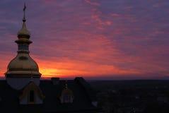 A igreja ortodoxa no alvorecer Foto de Stock Royalty Free