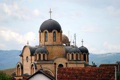 Igreja ortodoxa sérvio situada em Kosovo foto de stock