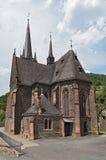 A igreja paroquial gótico nova em St Bonifatius de Lorch-Lorchhausen, Alemanha fotos de stock