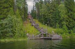 Igreja pelo lago Foto de Stock Royalty Free