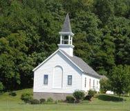 Igreja pequena da vila Fotografia de Stock Royalty Free