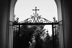 Igreja pequena em Roma com cruz Imagens de Stock
