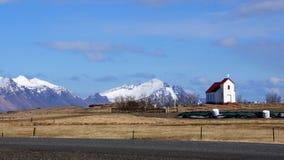 Igreja perto da geleira do vatnajokull em Islândia do leste Imagem de Stock Royalty Free