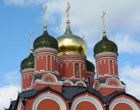 Igreja perto do Kremlin no quadrado vermelho em Moscou imagens de stock