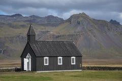 Igreja preta de Buðir, borda do sul do Snæfellsness 1 peninsular Fotografia de Stock Royalty Free
