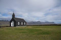 Igreja preta de Buðir, borda do sul do Snæfellsness 5 peninsulares Fotografia de Stock