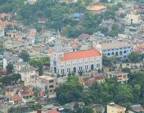 A igreja principal na cidade de Halong, Quang Ninh, Vietname imagem de stock