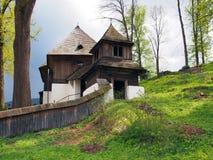 Igreja rara do UNESCO em Lestiny, Orava, Eslováquia Foto de Stock