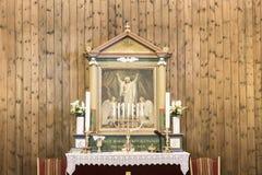 Igreja Sisimiut do altar, Gronelândia fotos de stock