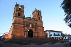 Igreja velha de uma cidade de Colômbia foto de stock royalty free