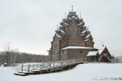 A igreja velha nas madeiras Fotos de Stock