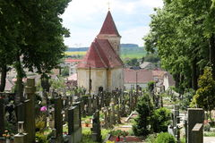 Igreja velha no cemetry Fotografia de Stock