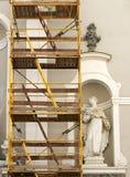 Igreja velha sob a renovação Fotos de Stock Royalty Free