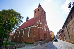 Igreja vermelha em Grudziadz, Polônia imagens de stock