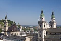 Igrejas da vista de Salzburg Fotos de Stock Royalty Free