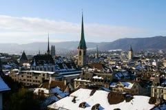 Igrejas e telhados de Zurique Fotos de Stock Royalty Free